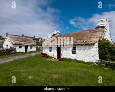 RS 8057  Harry Kelly's Cottage, Cregneash, Isle of Man, UK - Stock Image