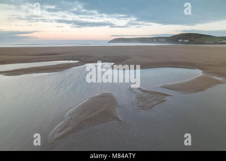 Empty sandy beach at Croyde Bay on the North Devon coast, England. Winter (January) 2018. - Stock Image