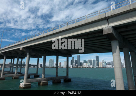 Highway bridge from downtown Miami to Key Biscayne crosses over Biscayne Bay, Miami, Florida - Stock Image