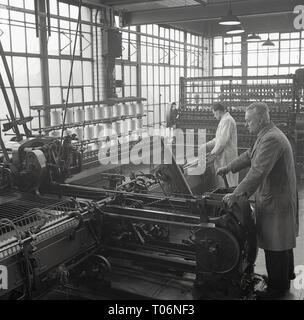 1950s, Leeds, spining machinery - Stock Image