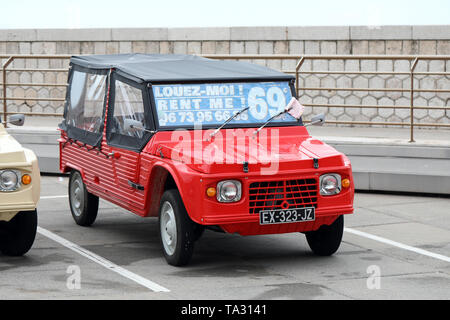 Nice, France - May 21, 2019: Vintage Red Citroen Mehari (Front View) French Car Parked In A Parking Lot In Nice On The French Riviera - Stock Image