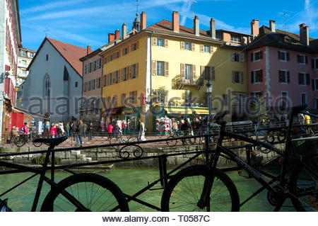 View in the old town area of Annecy, by the river (Le Thiou). Annecy. Auvergne-Rhone-Alpes, south east France. - Stock Image