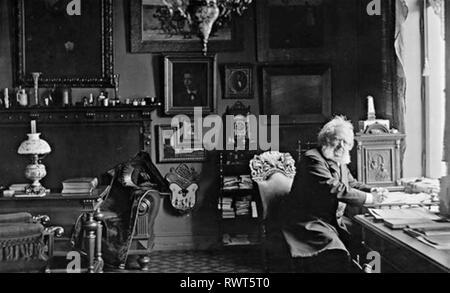 HENRIK IBSEN (1828-1906) Norwegian playwright.- in his study in 1900 - Stock Image