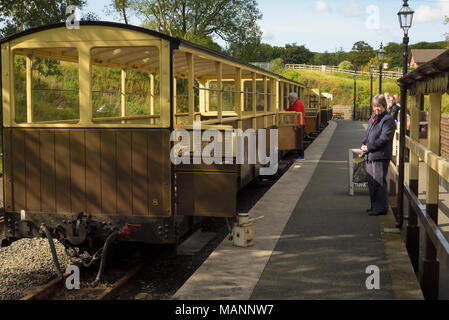 Train Waiting to Depart at Devil's Bridge Station - Stock Image