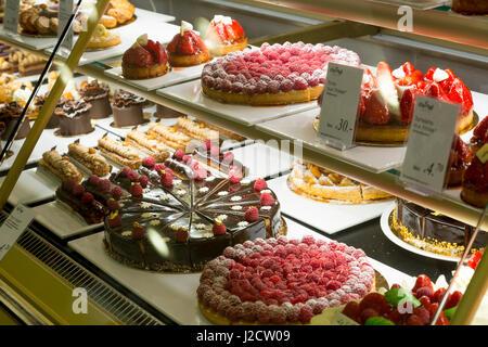 Germany, Berlin. Pastries and bakery goods at the Ka De We Department Store. Credit as: Wendy Kaveney / Jaynes Gallery - Stock Image