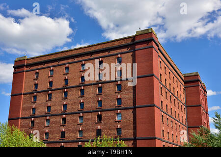 B Bond Bristol historic tobacco bond warehouse now repurposed as Create Centre among other users, UK - Stock Image