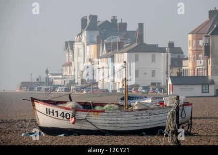 Fishing boat on beach in Aldeburgh, Suffolk, England - Stock Image
