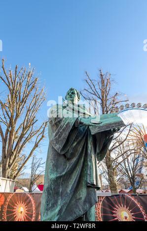 Neptunbrunnen statue during Berliner Weihnachtszeit, german Christmas market, Berlin, Germany] - Stock Image