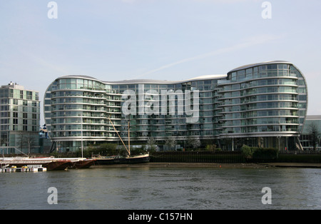 Modern Office Development by Battersea Bridge, River Thames, Battersea, London, UK. - Stock Image