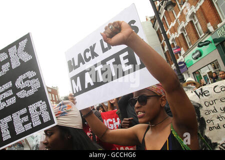 London, UK. 9th July, 2016. Thousands of Londoners convened in Brixton for a solidarity march following the shooting - Stock Image