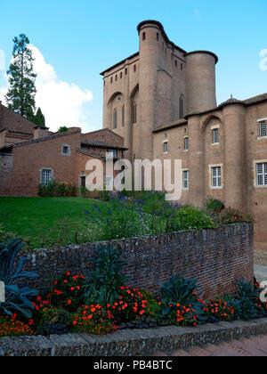 The Berbie Palace, Toulouse-Lautrec Museum and palace gardens (Les Jardins de la Berbie), Albi, France - Stock Image
