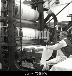 1950s, Linen manufacture - Stock Image