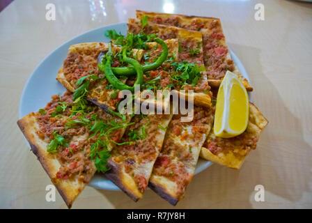 Etli ekmek, Sivas, pizza style dish originating from Konya, Turkey - Stock Image