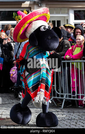 Düsseldorf, Germany. 4 March 2019. Shaun the Sheep. The annual Rosenmontag (Rose Monday or Shrove Monday) carnival parade takes place in Düsseldorf. - Stock Image