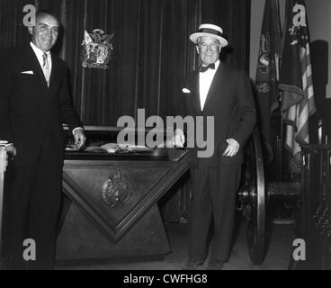 Maurice Chevalier and M. Lieberman at the April In Paris Ball, Palm Beach, October 20, 1961 - Stock Image