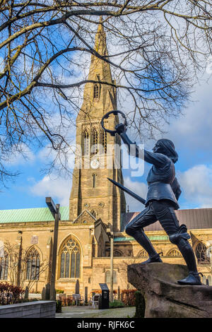 Statue of King Richard lll outside Leicester Cathedral. - Stock Image