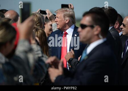 U.S President Donald Trump shakes hands with supporters on arrival at the North Dakota Air National Guard Base September 7, 2018 in Fargo, North Dakota. - Stock Image