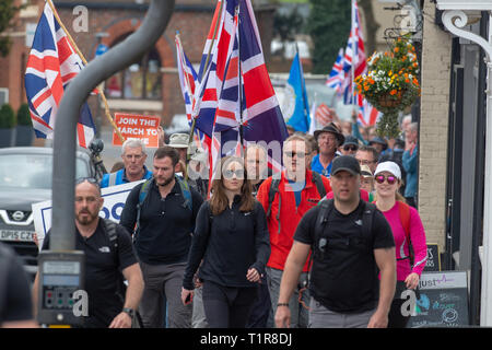 Buckinghamshire, United Kingdom. 28 March 2019. The pro Brexit campaign 'March for Leave' passes through Wendover as it makes it way across  Buckinghamshire. The group set off from Aylesbury led by Leave Means Leave chairman John Longworth around 9am. Credit: Peter Manning/Alamy Live News - Stock Image