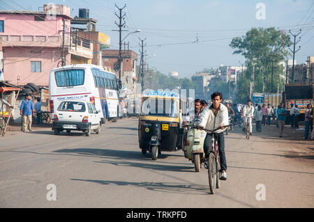 Traffic on the streets of Bhopal in India - Stock Image