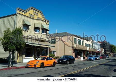 Street scene in Magnolia Avenue, in Larkspur, Marin County, California, USA. - Stock Image