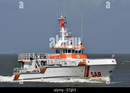 Lifeboat Harro Koebke passing Cuxhaven - Stock Image