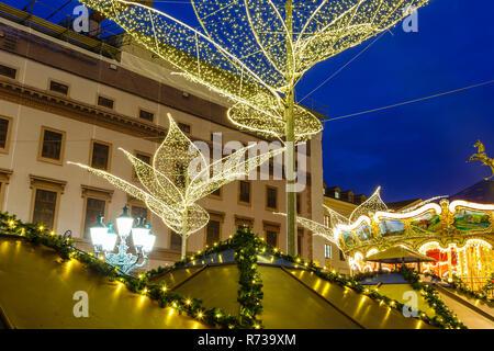 Christmas Market (Sternschnuppenmarkt) in Wiesbaden, Germany. 2018. - Stock Image