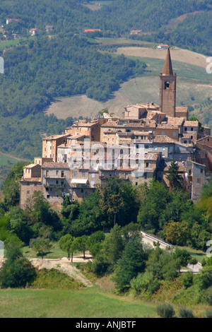 Typical hilltop village of le Marche Italy - Stock Image
