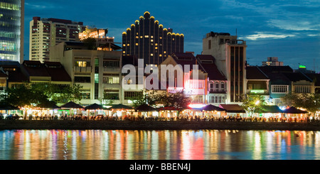 Skyline of Singapur Boat Quay Restaurant bars at night South East Asia twilight - Stock Image