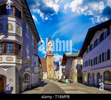 DE - BAVARIA: The Obermarkt at Mittenwald - Stock Image