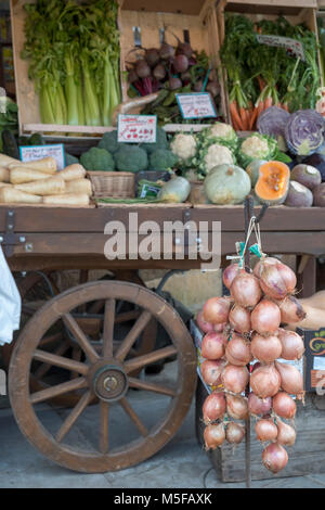 The High Street Broadway Village Worcesteshire English Cotswolds England UK. Fruit and vegetables are shown outside - Stock Image