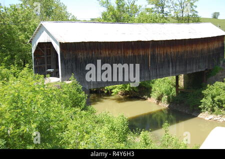 Grange City Covered Bridge in Fleming County Kentucky - Stock Image