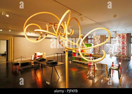 Paris, 1st arrondissement. Museum of Decorative Arts. Gallery Foundations of Art Deco. The 2000s Porte coats After Thonet by Mathieu Lehanneur. - Stock Image