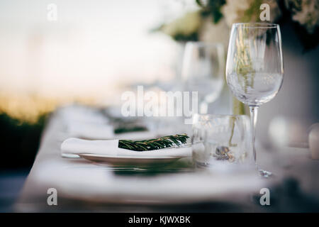 Luxury Table setting for party, Christmas, holidays and weddings. - Stock Image