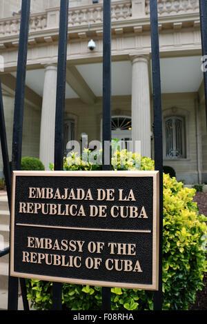 Bilingual sign at the new Cuban embassy Washington D C - Stock Image