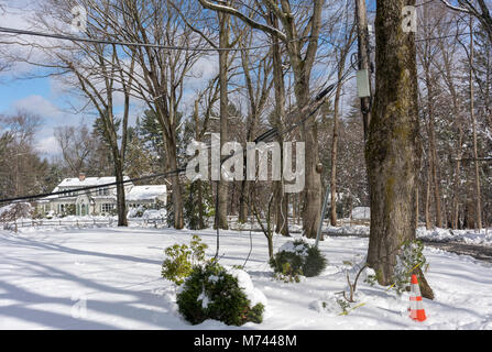 Chappaqua, NY, USA, 8th March 2018. With power and cable lines still down in some ares of town since last weeks' - Stock Image