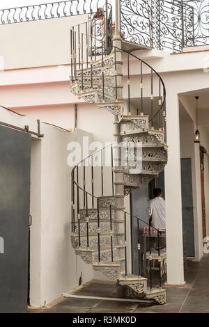 Cuba, Havana. Spiral staircase to La Guarida restaurant. Credit as: Wendy Kaveney / Jaynes Gallery / DanitaDelimont.com - Stock Image