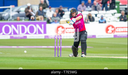 Brighton, UK. 7th May 2019 - Luke Wright batting for Sussex Sharks hits a boundary during the Royal London One-Day Cup match between Sussex Sharks and Glamorgan at the 1st Central County ground in Hove. Credit : Simon Dack / Alamy Live News - Stock Image