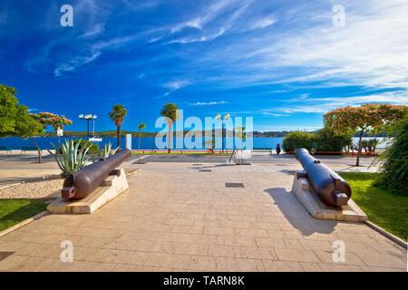 Town of Sibenik waterfront cannons and archipelago view, Dalmatia region of Croatia - Stock Image