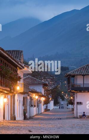 Plaza Mayor at dawn, Villa de Leyva, Boyacá, Colombia, South America - Stock Image
