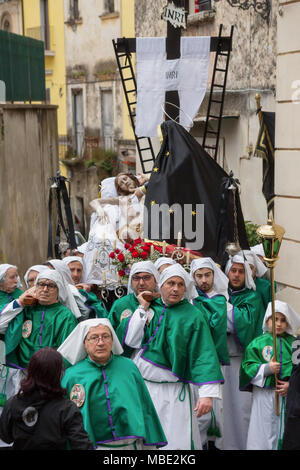 SESSA AURUNCA, ITALY - MARCH 31, 2018 - On Easter Holy Saturday two parades walk unified: the greens and the reds carry two groups of statues, the Deposizione del Cristo and the Vergine Addolorata - Stock Image