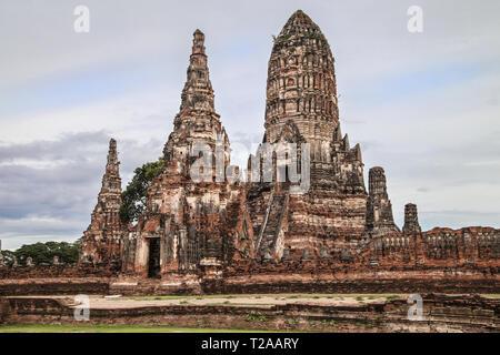 Meru and Prang of Wat Chaiwatthanaram in Ayutthaya, Thailand. - Stock Image