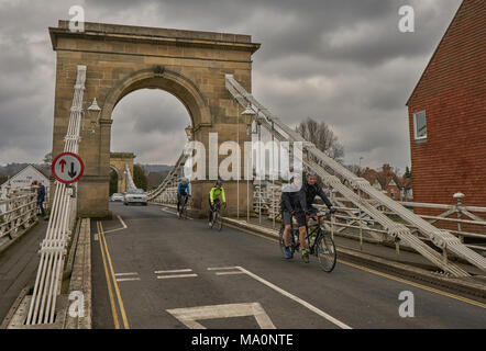 bridge of thames at marlowe - Stock Image