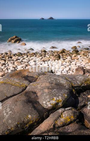 Porth Nanven beach and shoreline on the dramatic north Atlantic coast of Cornwall, England, UK - Stock Image