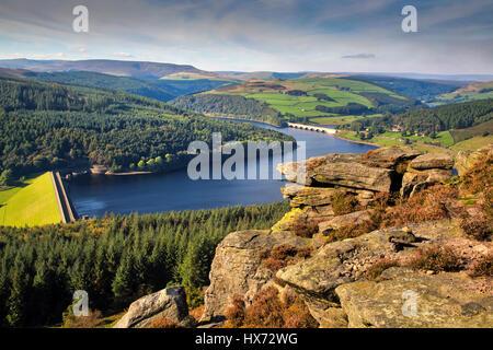 Bamford Edge overlooking Ladybower Reservoir - Stock Image