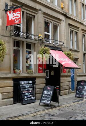 The YES Bar restaurant and comedy venue in Drury Street, Glasgow city centre, Scotland, UK - Stock Image