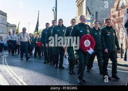 Trowbridge, Wiltshire, UK. 11th Nov, 2018. South West ambulance trust members in remembrance parade Credit Estelle Bowden/Alamy Live news - Stock Image