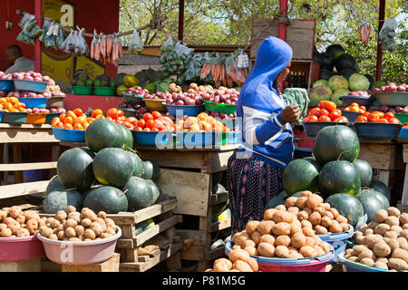 Street Vendor,  Street Vendors, Roadside Fruit and Vegetable Market,, Ankole region, Uganda, East Africa - Stock Image