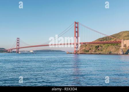 USA, California, San Francisco, Golden Gate Bridge at sunrise - Stock Image