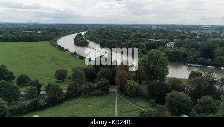 Aerial view of a bend on the river Thames in Richmond, West London - Stock Image