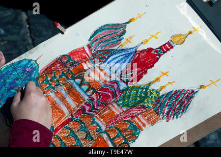 Moscow, Russia. 18th May, 2019  A boy during the 9th Draw St Basil's Cathedral art festival in Red Square - Stock Image
